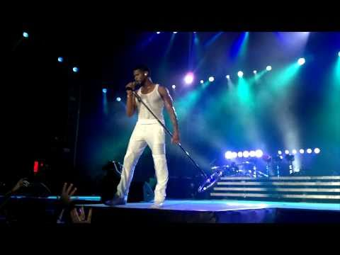 Usher performing Nice and Slow