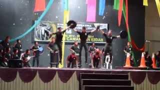 Puncak Naga-Stomp Music (Johan)
