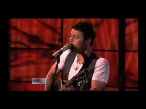 American Idol Winner Kris Allen Performs Heartless Acoustic