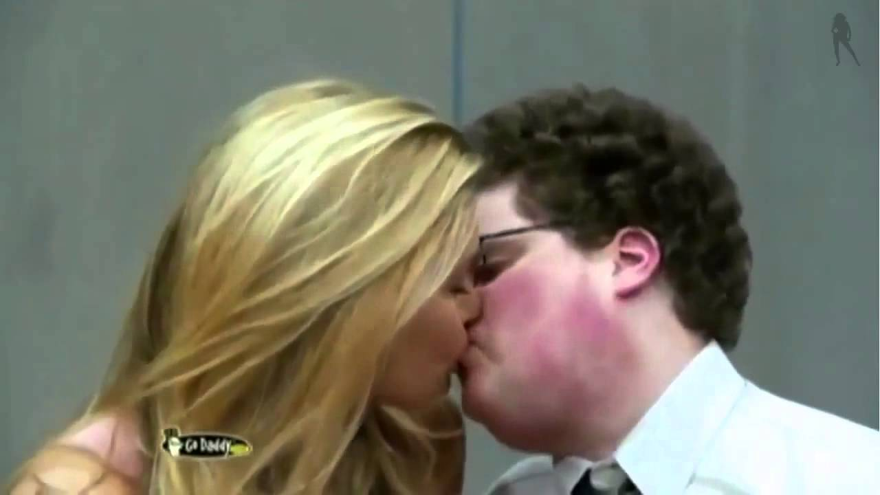 Ugly People Making Out Bar Refaeli kisses fat...