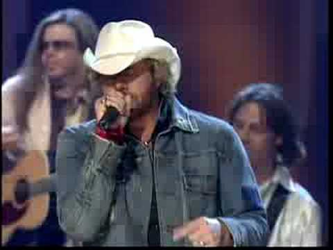 MOCKINGBIRD -Toby Keith and his daughter Krystal (live)