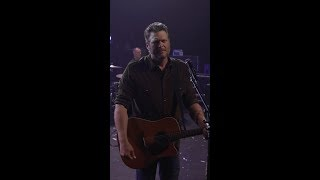 Download Blake Shelton  quotGod39s Countryquot Vertical Video MP3