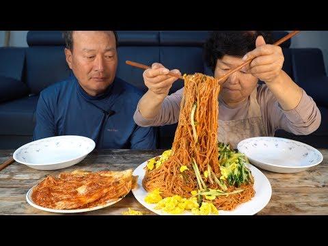 새콤 달콤 비빔국수 한 접시 후루룩 먹방~(Spicy Noodles) 요리&먹방!! - Mukbang Eating Show