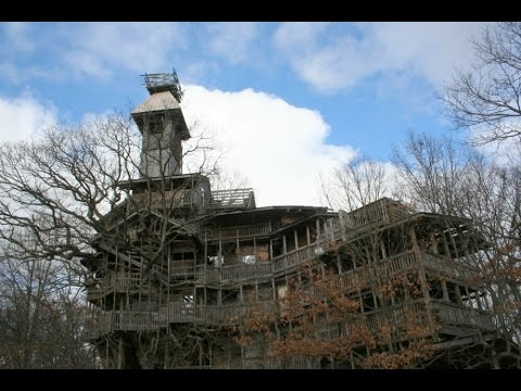 Giant Abandoned Treehouse - The Minister's Treehouse