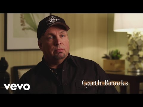 Garth Brooks discusses Kansas (Interview)