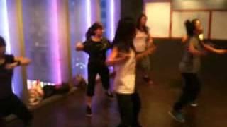 Make it Clap - Reggae dance lesson with Rella