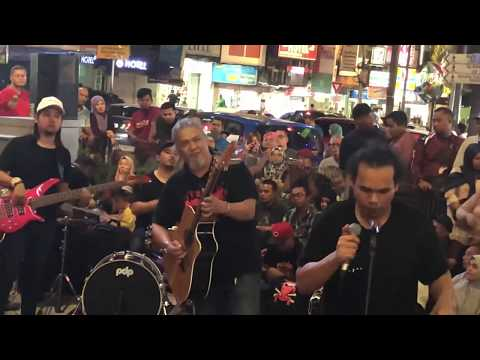 😱😱OTAI Pemain Guitar KUMPULAN LAKSAMANA|Abang Omar masih Berbisa!! bersama Sentuhan Busker
