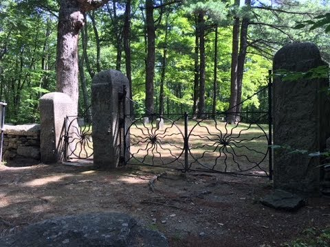 Haunted Spider Gates Cemetery (Quaker Cemetery) in Leicester Massachusettes!