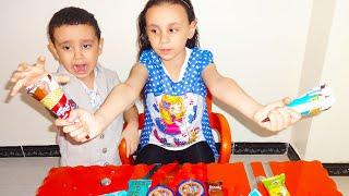 مريومة وحمودي يتظاهران باللعب في نفس الايسكريم