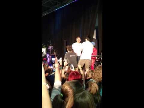 #NJCon Misha Strips  Osric/ Karaoke