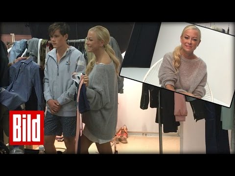 Jenny Elvers' Sohn Modelt - Mutti Total Stolz