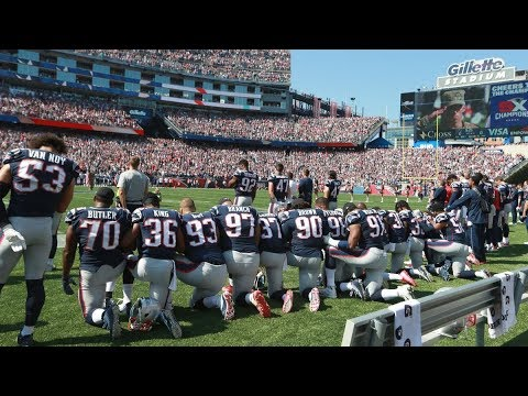 Patriots kneel while Tom Brady and others lock arms