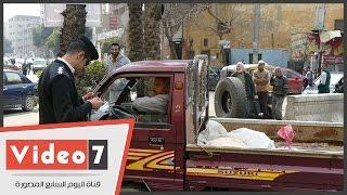بالفيديو.. حملة مرورية بشوارع وسط البلد لضبط المركبات المخالفة