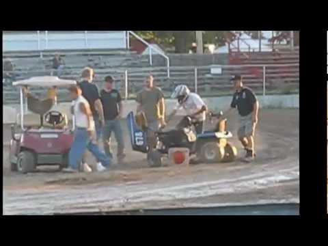 104.5 BOB FM Lawn Mower Race!