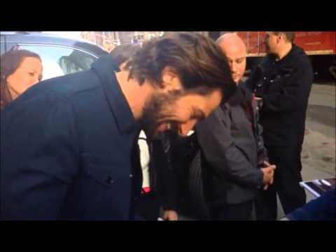 Michiel Huisman Has Fun With Fans
