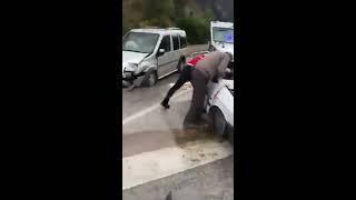 Isparta Antalya yolu trafik kazası ağır yaralılar var