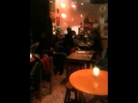 Quizz musical 2/5 - Entropia restaurante bar San Cristobal de las casas Mexico - 4 de enero 2012