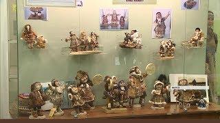 Персональная выставка самодельных кукол Анны Манько открылась в Национальной библиотеке Якутии