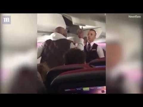 Le passager d'un avion prit d'une crise de nerf en plein vol