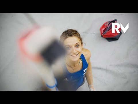 (Eng subtitles) What Gets Melissa Le Nevé Out Of Bed In The Morning   Relais Vertical, Ep.44