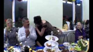 горько на свадьбе (самая ржака в середине!!!!!!)  ;)))))))