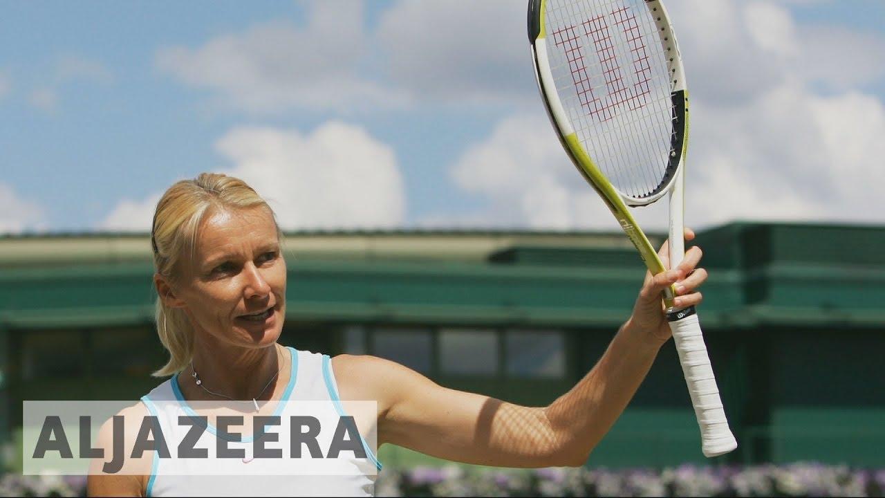 Former Wimbledon champion Jana Novotna dies of cancer