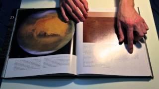[Dutch] ASMR: Flipping through my favorite astronomy book