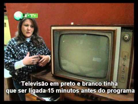 Televisão Em Preto E Branco Tinha Que Ser Ligada 15 Minutos Antes Do Programa