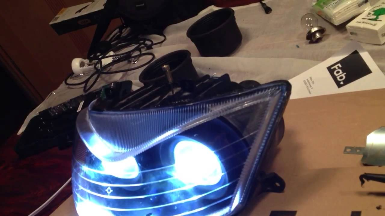 Aprilia SR50 LED Xenon Look - YouTube