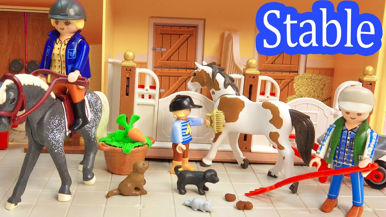 Playmobil Country Take Along Family Horse Stable Barn Farm with