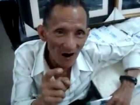 Ông già nói tiếng Anh như người Mỹ - Bill Saigon