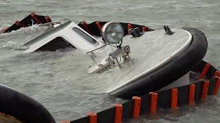 Acqua alta a Venezia: vaporetti affondati