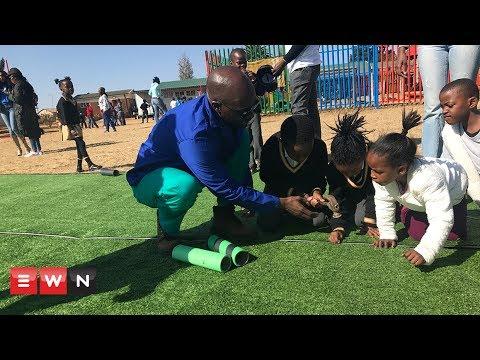 Gigaba spends Mandela Day refurbishing school in Soweto