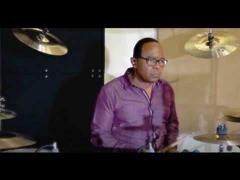 Michael Jackson's Drummer Plays