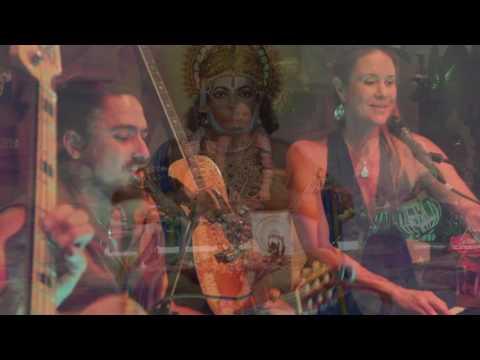 Jaya Lakshmi and Ananda-Atma rama~with the Saraswati Dream Band