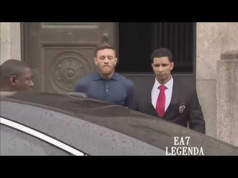 Конор МакГрегор направляется в суда в наручниках Conor McGregor goes to court in handcuffs.