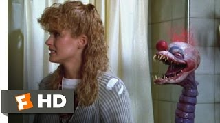 Killer Klowns from Outer Space (8/11) Movie CLIP - Capturing Debbie (1988) HD
