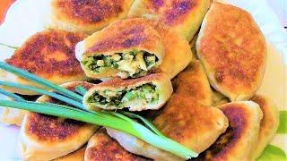 Жареные пирожки с зеленым луком и яйцом  из теста на кефире . Рецепт быстрых пирожков .