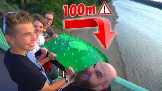 EXPERIMENT: 200 kg WASSERBALLON aus 100 METER ! - Gadget Wubble Bubble Toy Fun !