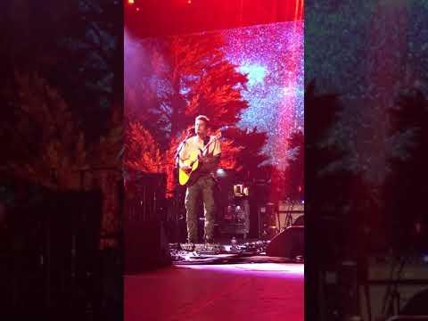 John Mayer singing I'm On Fire, 8/19/17