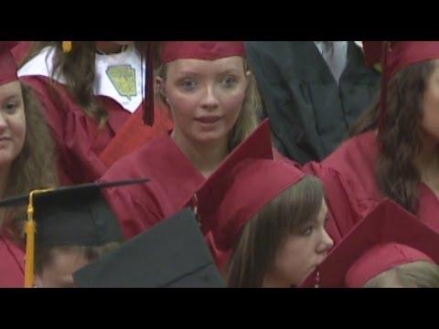 Parasailing victims graduate from Huntington North