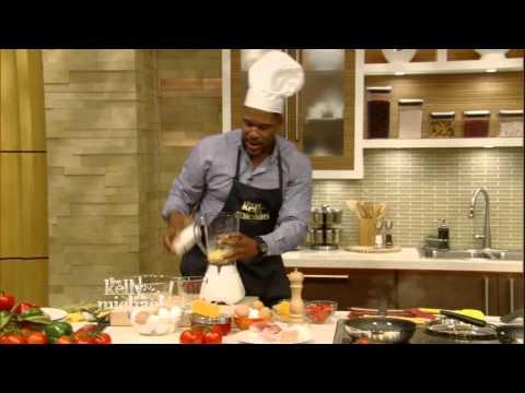 Michael Strahan Cooks Breakfast