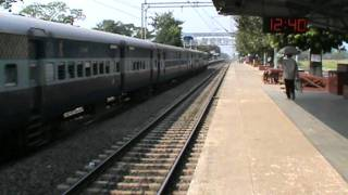 "Dedicating a song to my ""FAVOURITE"" train on Indian Railway!!! Some Lolzzz moment!!!"
