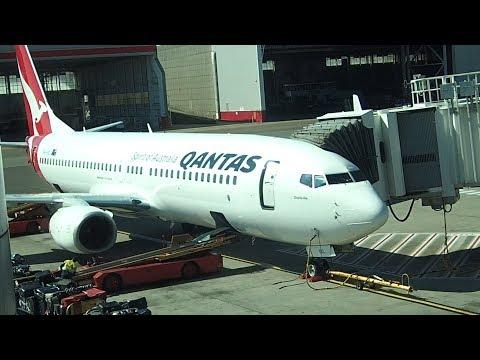 Qantas Economy Sydney to Gold Coast Flight Review