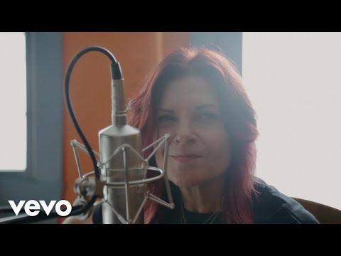Rosanne Cash - She Remembers Everything (Acoustic)