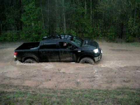 Toyota Tundra in Mud
