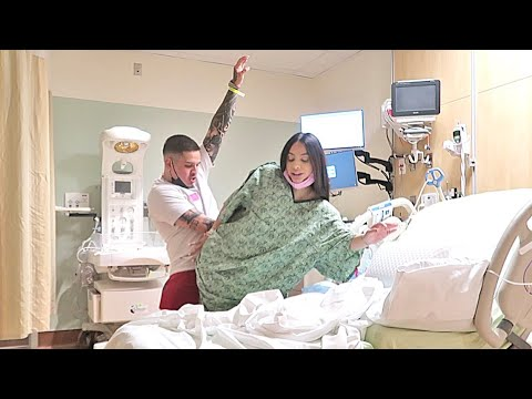 Download BENNY & ALONDRA BABY MAMA DANCE! (DURING LABOR!!)