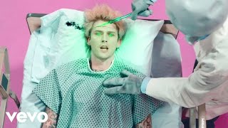 Machine Gun Kelly - concert for aliens (Official Music Video)