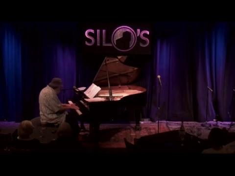 Mike Greensill- Evening Jazz // Edgardo Cambon y LaTiDo - Latin Night