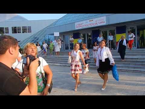 Organizația de femei PSD huiduită de protestatari la Mamaia